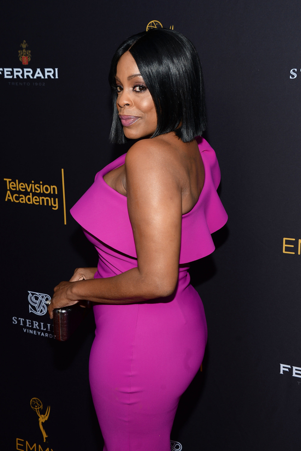 niecy-nash-television-academy-performers-peer-group-celebration-red-carpet-fashion-tom-lorenzo-site-1