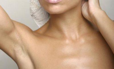 woman-showing-armpit